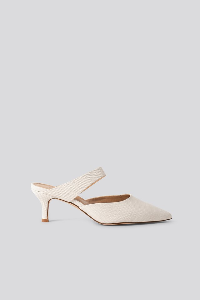 Natural Strap Detail Pointy Pumps