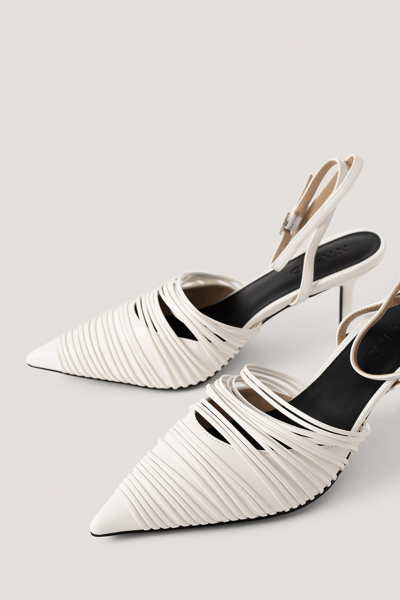 Offwhite Slingback-Pumps