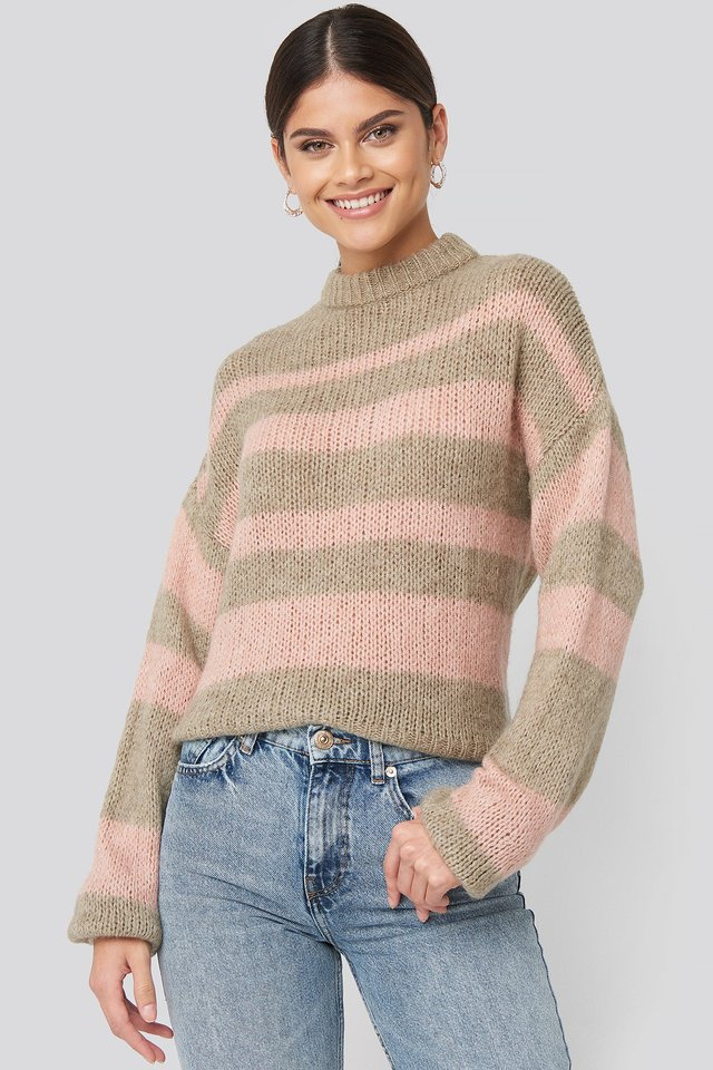 Striped Round Neck Oversized Knitted Sweater Pink