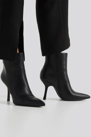 Black Structured Pointy Boots