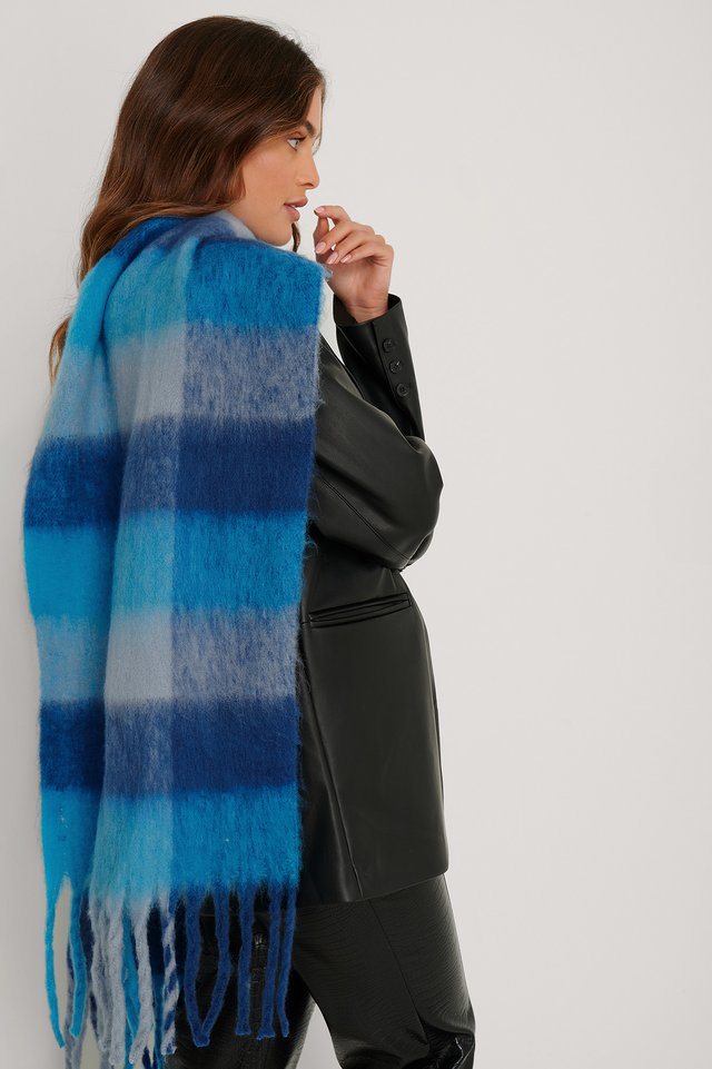 Super Soft Checked Tassel Scarf Blue