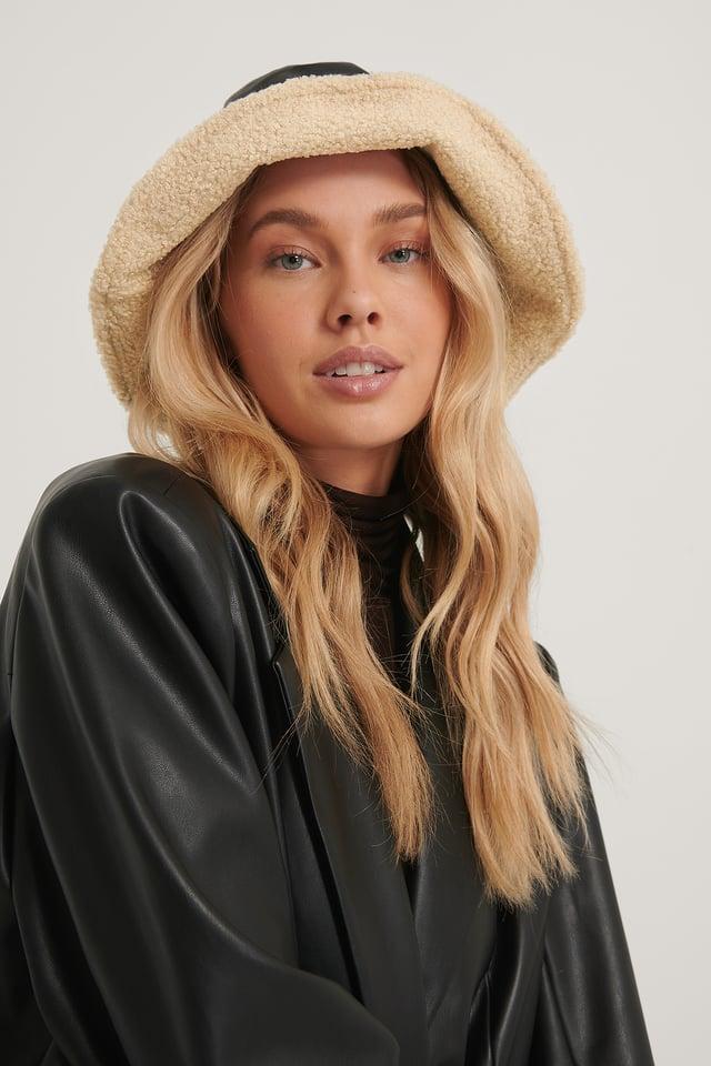 Black Teddy Lined Bucket Hat