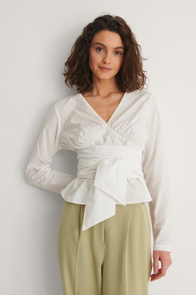 White Bluse Med Knytting I Midjen
