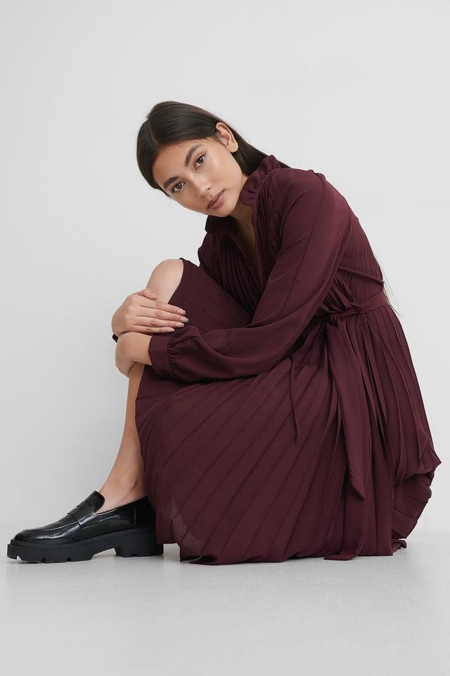 Burgundy Tied Waist Pleated Skirt Dress