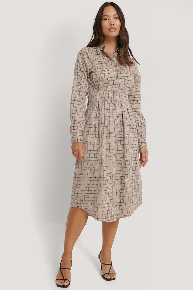 Check Midiskjortklänning Med Instoppad Midja