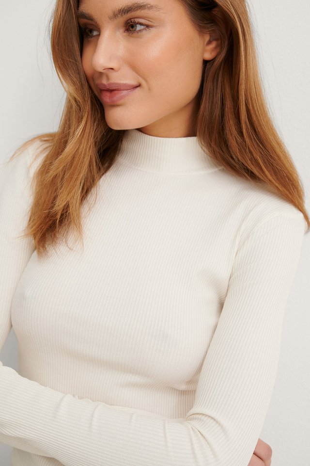Offwhite Turtleneck Ribbed Top