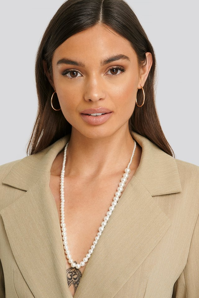 Uneven Long Pearl Necklace White