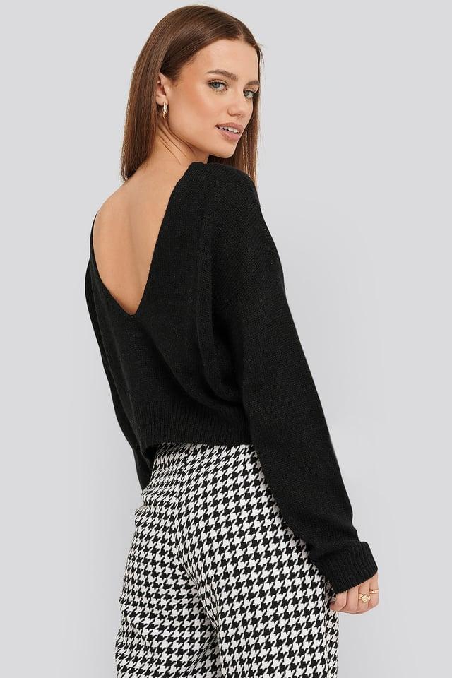 V-neck Back Cropped Knitted Sweater Black