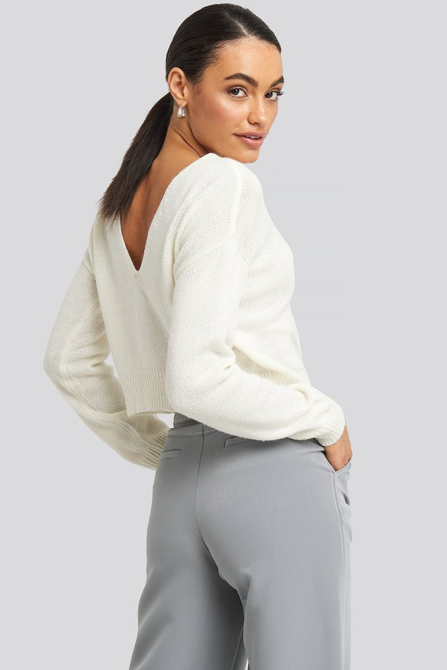 V-neck Back Cropped Knitted Sweater Offwhite