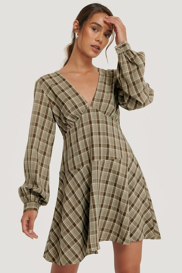 V-Neck Balloon Sleeve Dress Checkered
