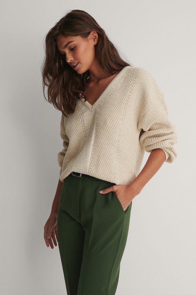 V-neck Knitted Sweater Light Brown