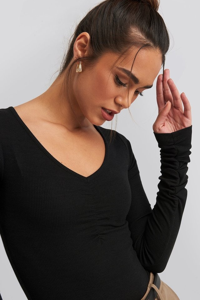 V-neck Ruched Ribbed Body Black