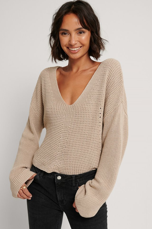 V-neck Cropped Knitted Sweater Light Beige