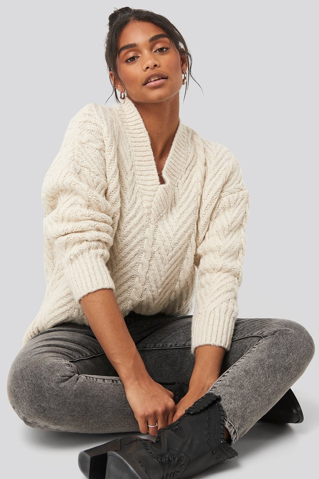 V-Neck Oversize Sweater Ecru