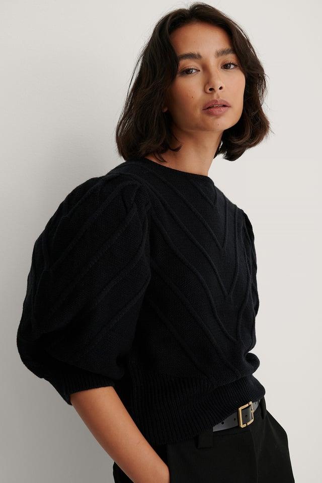 V Detail Knitted Sweater Black