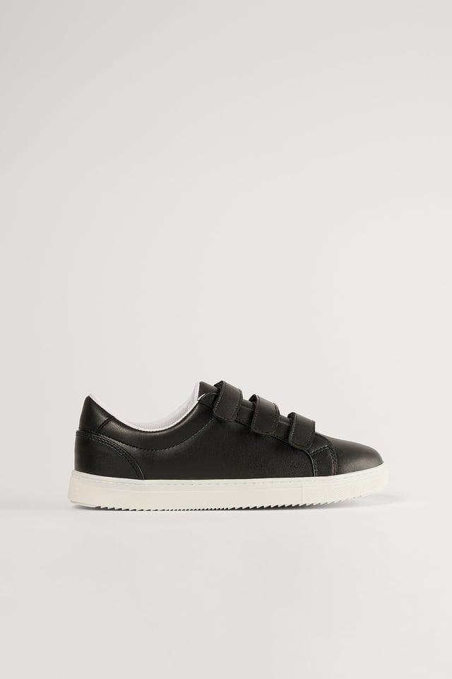 Black Sneakers Med Kardborreband