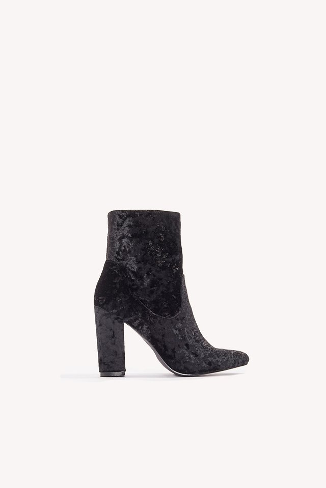 Velvet Mid Heel Boot Black