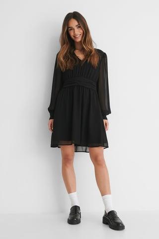 Black Rynkad Miniklänning Med Puffärm