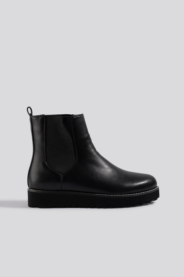 Warm Lined Chelsea Boots Black
