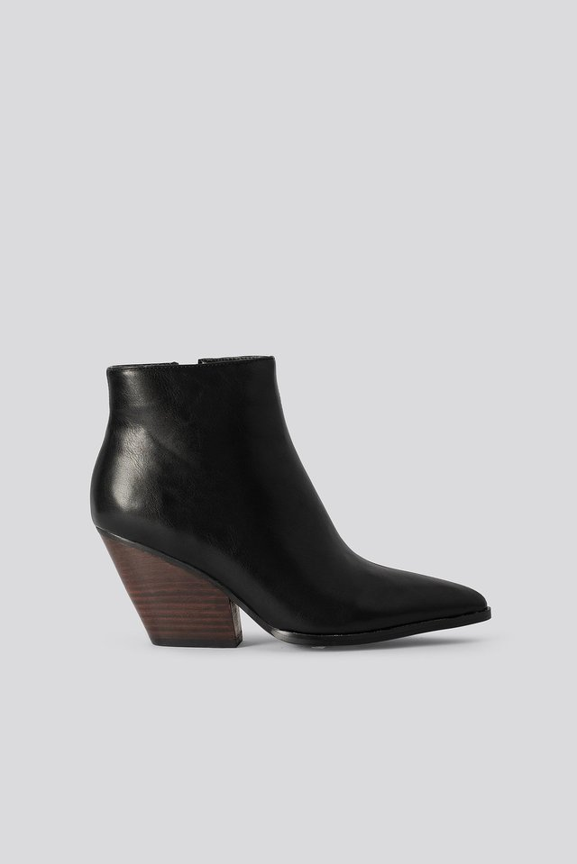 Western Heel Pointy Boots Black