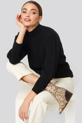 Black Wide Cuff Balloon Sleeve Knitted Sweater