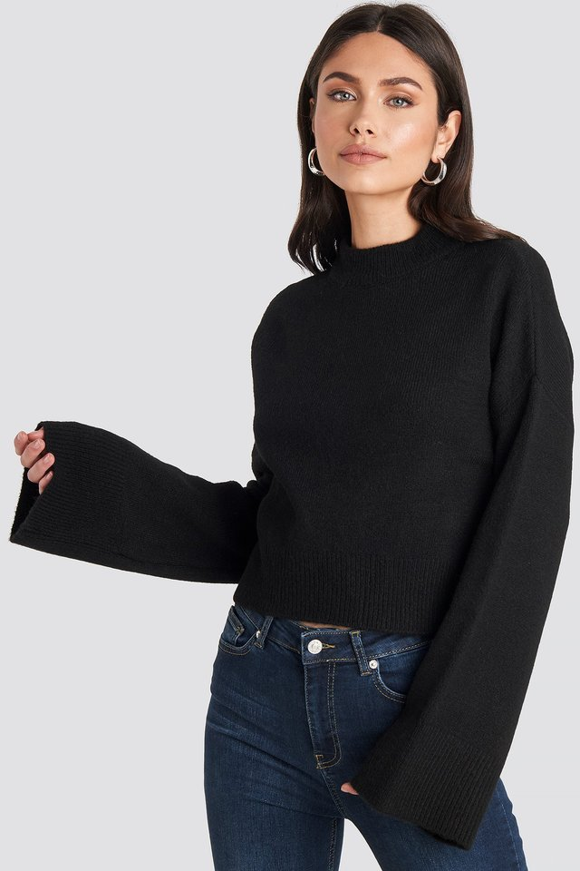 Black Wide Sleeve Round Neck Knitted Sweater
