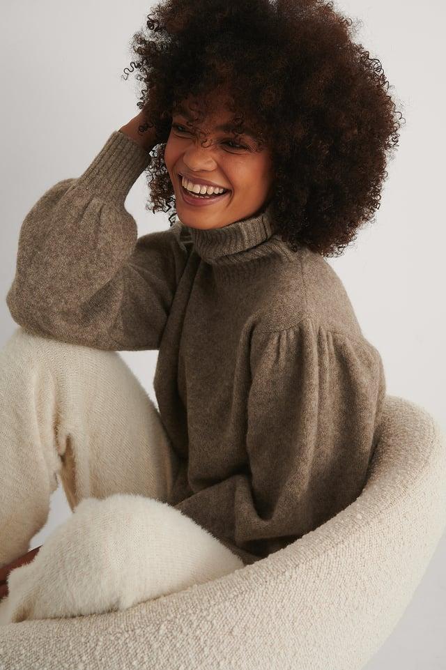 Brown Karbowany Sweter Z Dzianiny Z Mieszanki Wełny