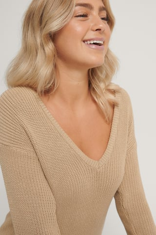 Beige Deep Front V-neck Knitted Sweater