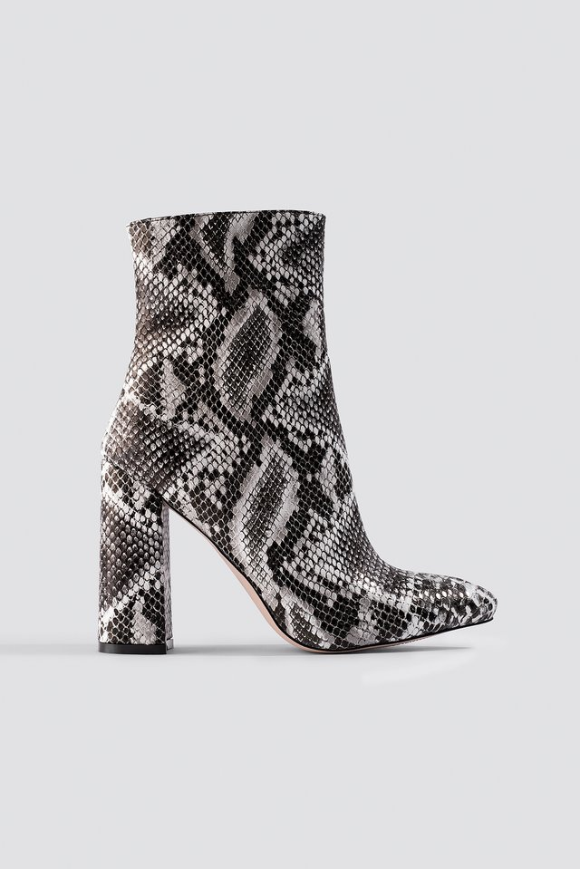 Meadow Ankle Boot Raid