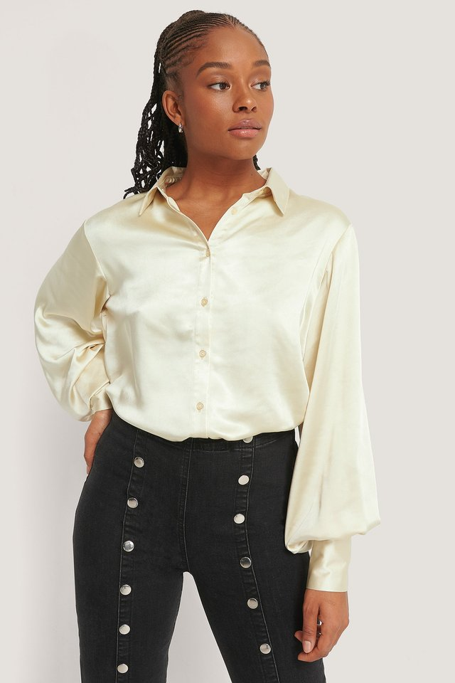 Satengbluse Med Store Mansjetter Champagne