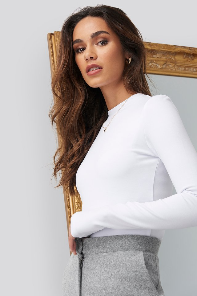 Turtle Neck Cropped Top White