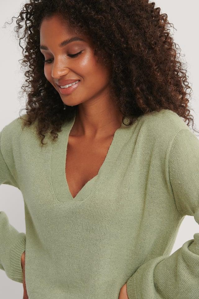 Emelie V Neck Knit Tea Green