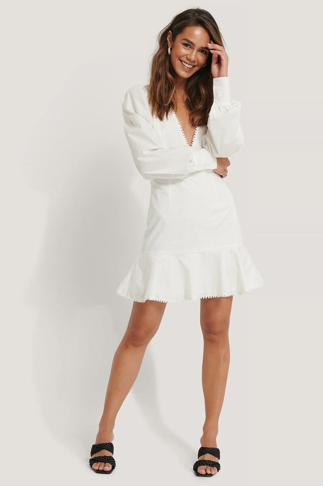 Vestido Mini Hombros Anchos Y Escote Pronunciado White