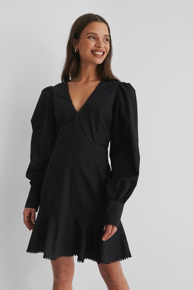 Black Minikleid Mit V-Ausschnitt