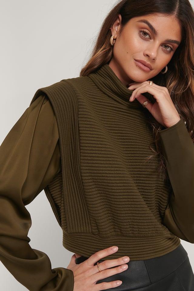 Quilted Big Shoulder Sweater Dark Brown
