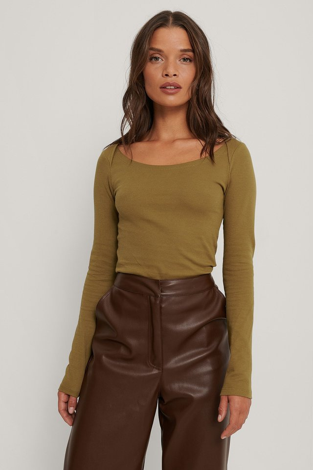 Ribbed Shoulder Detail Top Outfit.