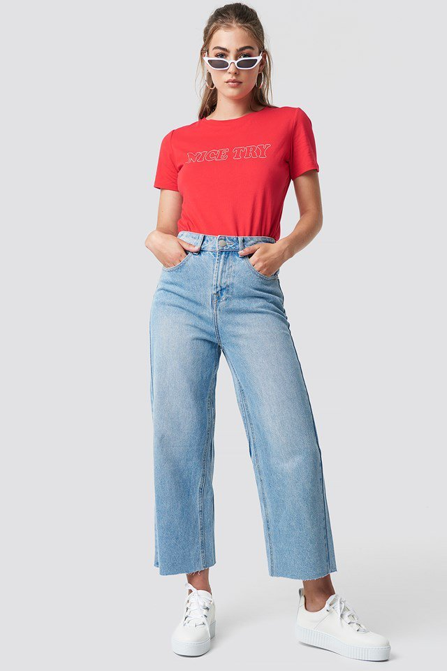 High Waisted Jeans with Basic T-shirt Outfit