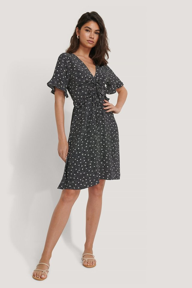SHORT SLEEVE BLACK FLOUNCE DRESS