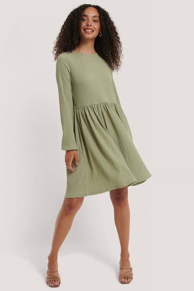 Crepe Hem Detail Dress Outfit