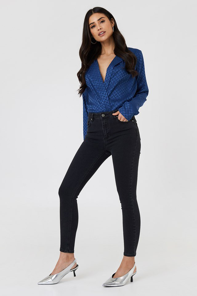 High Rise Black Jeans Outfit