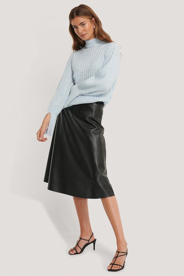 Cuff Slit Knitted Sweater Outfit