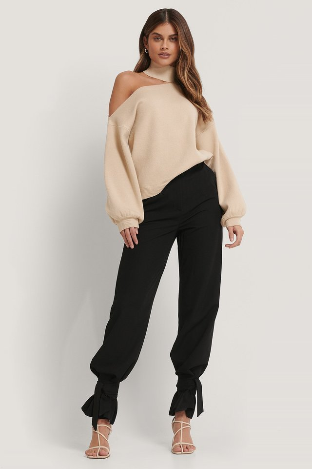 Choker Neck One Sleeve Sweater