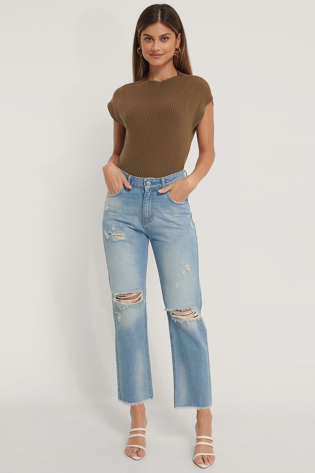 Straight Destroyed Fringed Hem Jeans Outfit