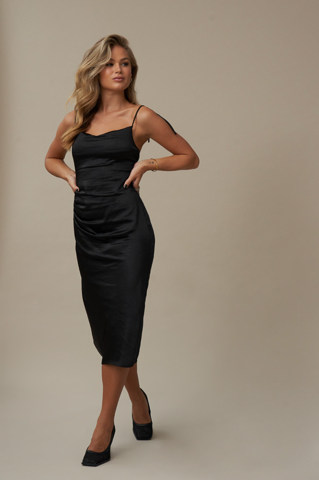 Style this dress with some nice jewellery and a pair of pumps for a simple look that will leave jaws dropped on the floor!