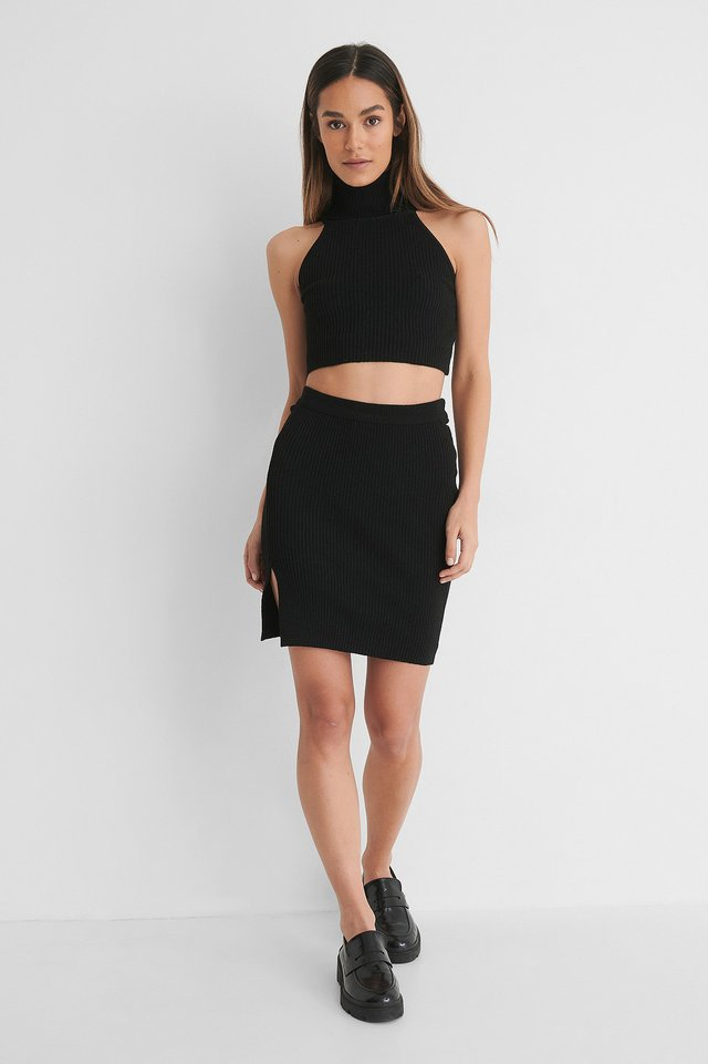 Knitted Rib Slit Skirt with High Neck Singlet.