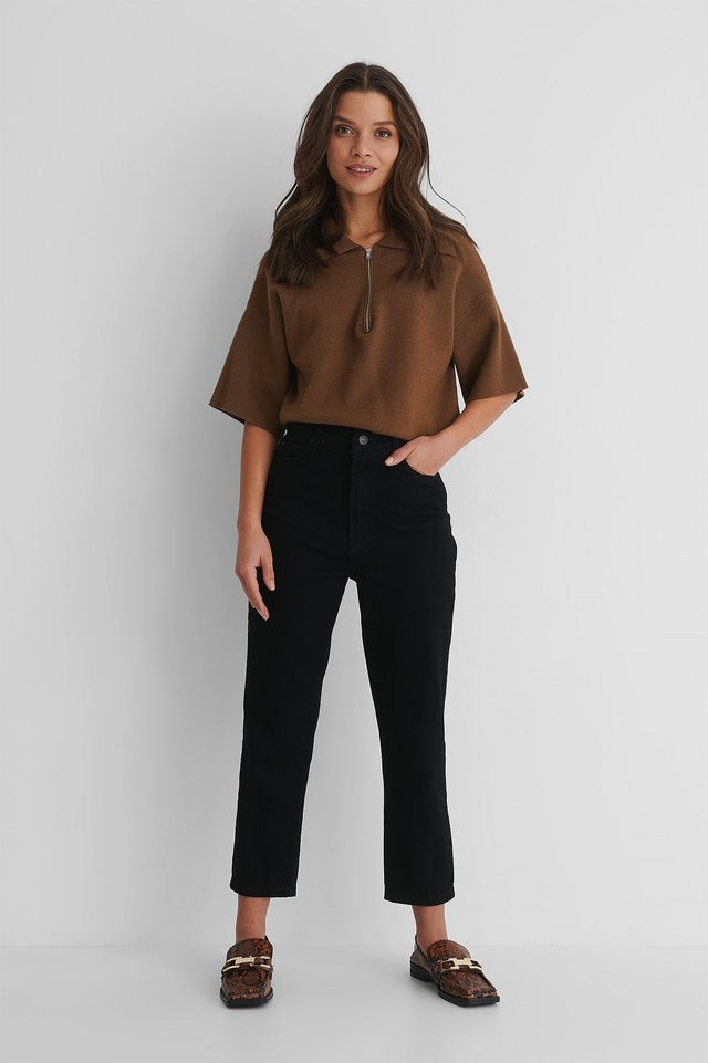 High Waist Mom Jeans Outfit.
