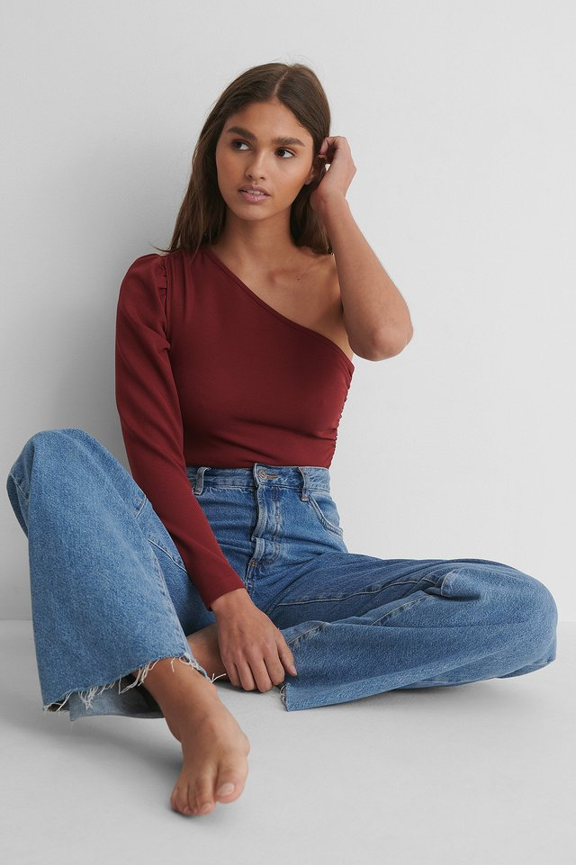One Shoulder Rouched Body with Jeans.