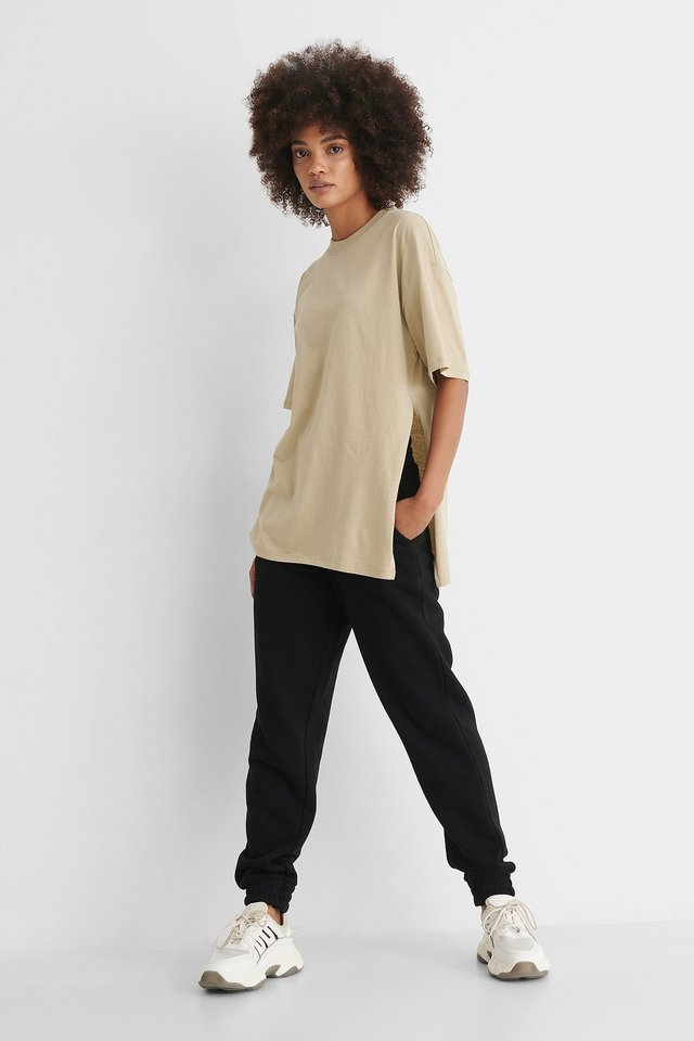 Oversized Slit T-shirt Outfit.