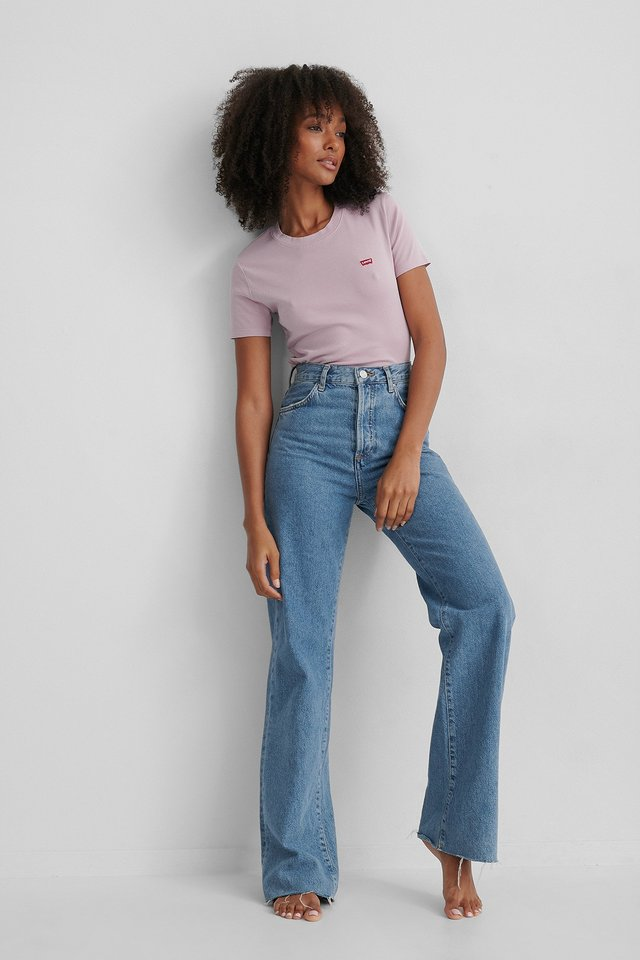 Levis Tee Lavender Outfit.