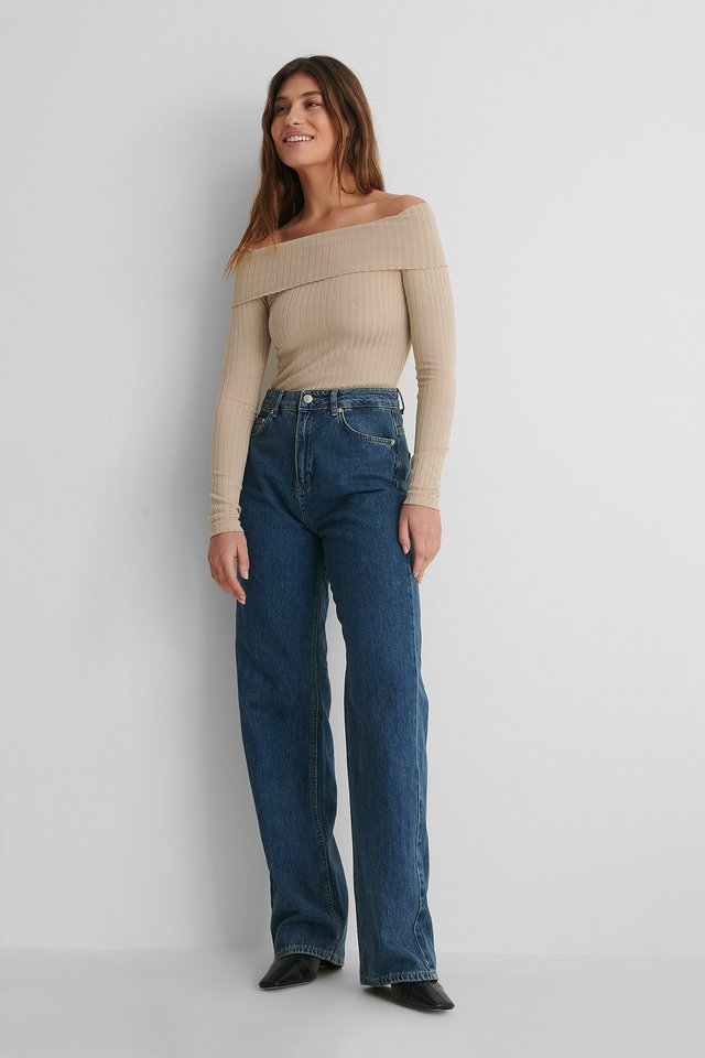 Long Sleeve Rib Overlap Top with Jeans.